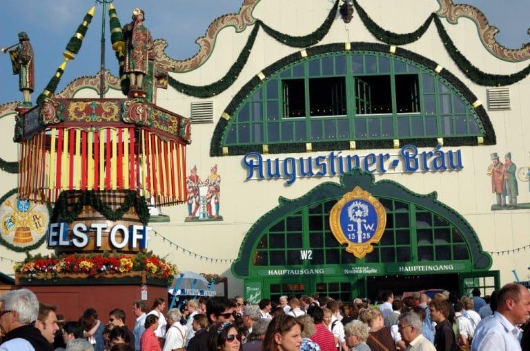 Festzelte Theresienwiese Oktoberfest München Augustiner