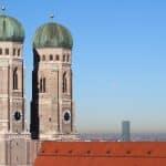 Festzelte Theresienwiese Oktoberfest München Frauenkirche